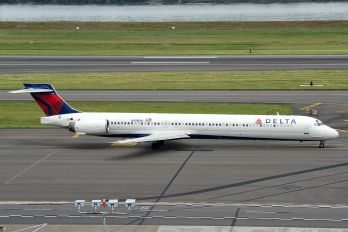N938DN - Delta Air Lines McDonnell Douglas MD-90
