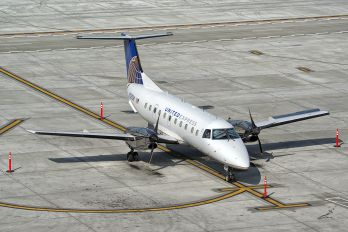 N235SW - United Express - SkyWest Embraer EMB-120 Brasilia