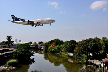 HZ-AIX - Saudi Arabian Airlines Boeing 747-400