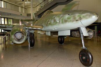 500071 - Germany - Luftwaffe (WW2) Messerschmitt Me.262 Schwalbe