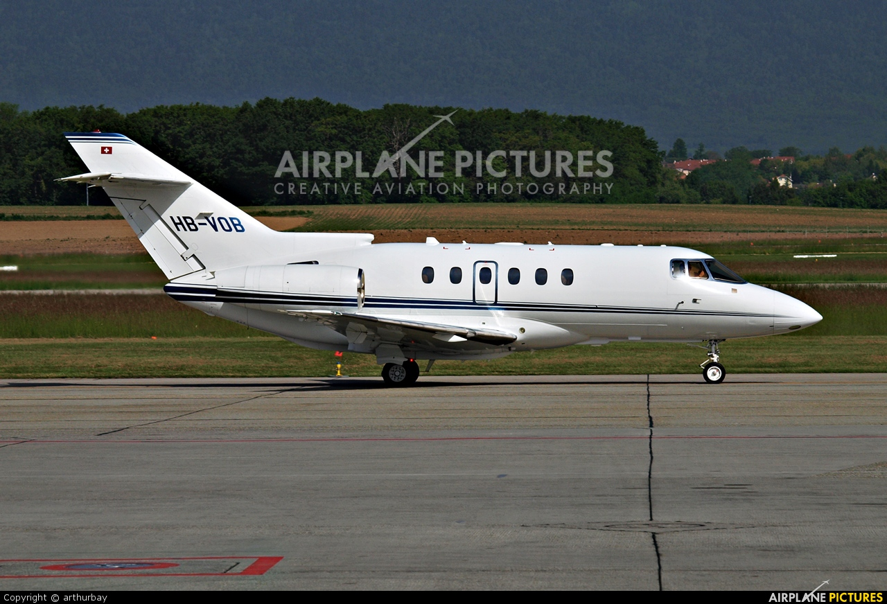 Private HB-VOB aircraft at Geneva Intl
