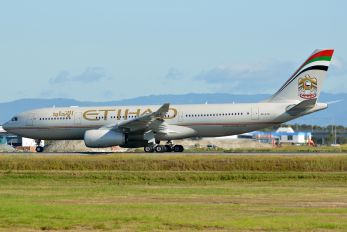 A6-EYU - Etihad Airways Airbus A330-200