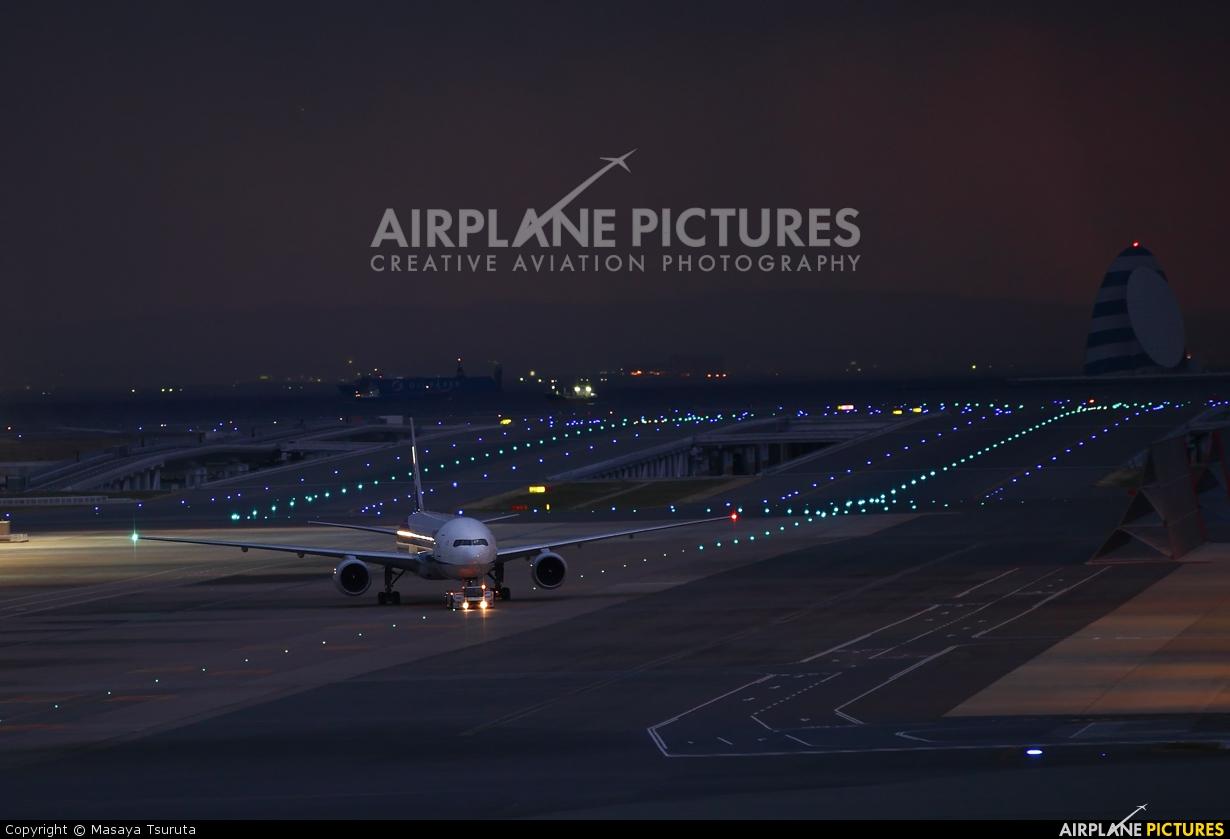 ANA - All Nippon Airways JA705A aircraft at Tokyo - Haneda Intl
