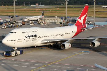 VH-OJC - QANTAS Boeing 747-400
