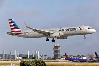 N113AN - American Airlines Airbus A321