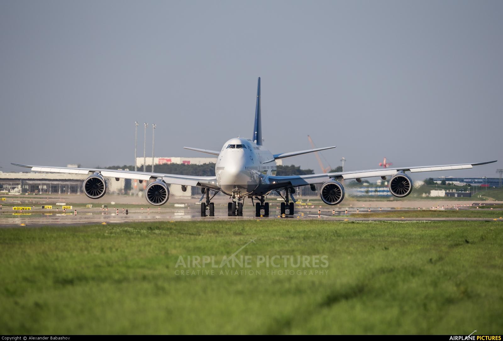 Lufthansa Boeing 747-8 D-ABYN