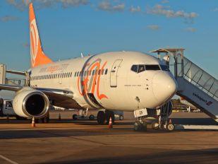 PR-GIN - GOL Transportes Aéreos  Boeing 737-700
