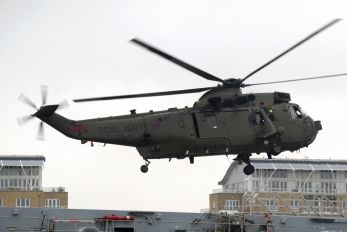 ZA296 - Royal Navy Westland Sea King HC.4