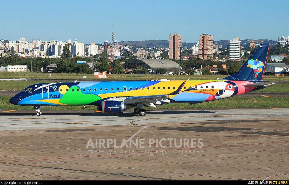 Azul Linhas Aéreas PR-AXH aircraft at Porto Alegre - Salgado Filho