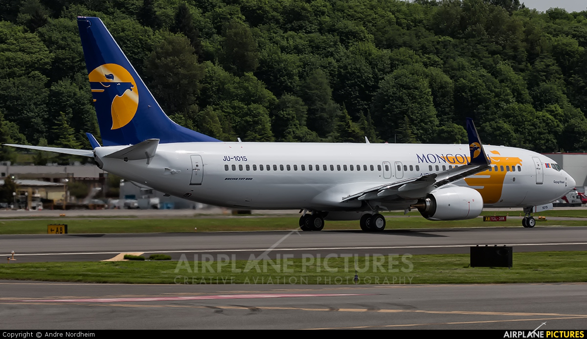 JU-1015 - Mongolian Airlines Boeing 737-800 at Seattle ...
