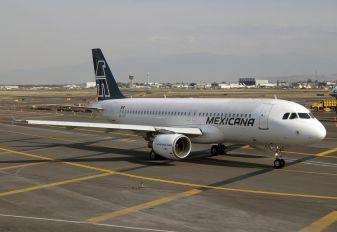 XA-UDT - Mexicana Airbus A320