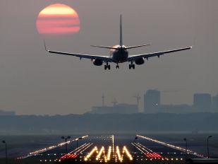 - - Royal Air Maroc Boeing 737-800