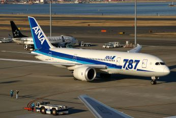 JA811A - ANA - All Nippon Airways Boeing 787-8 Dreamliner