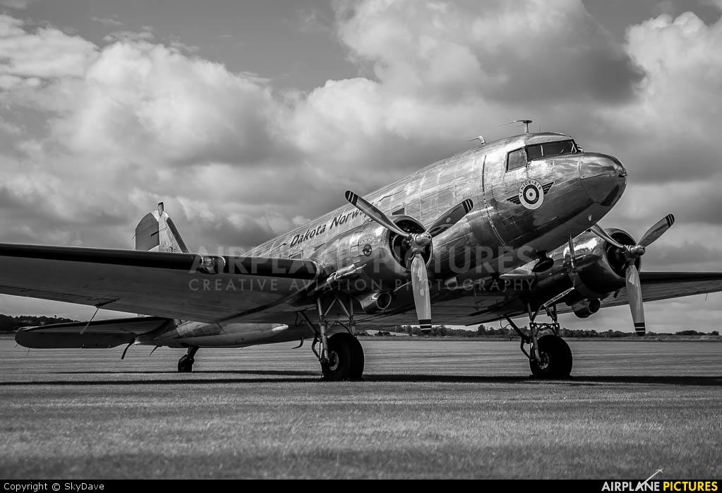Dakota Norway LN_WND aircraft at Duxford