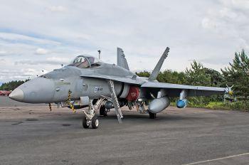HN-419 - Finland - Air Force McDonnell Douglas F-18C Hornet