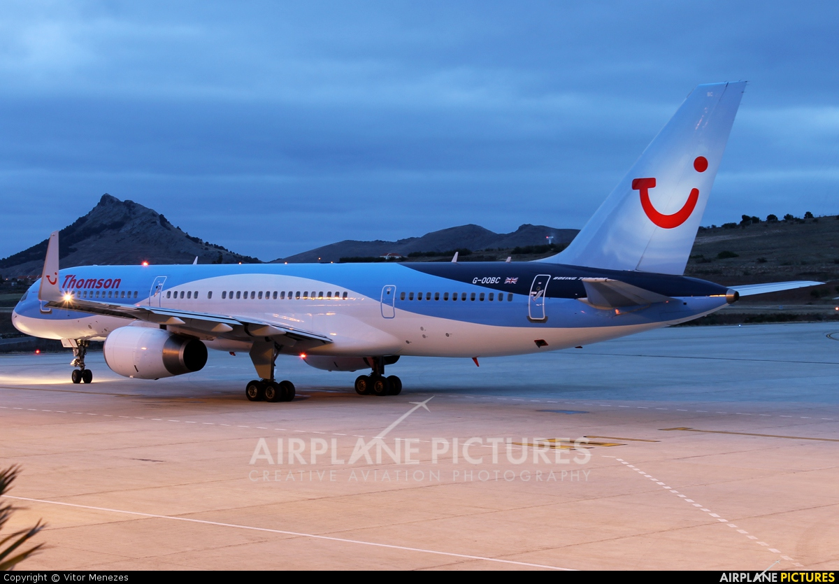 Thomson/Thomsonfly G-OOBC aircraft at Porto Santo