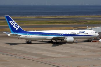 JA612A - ANA - All Nippon Airways Boeing 767-300