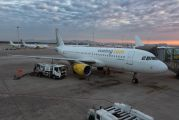EC-LML - Vueling Airlines Airbus A320 aircraft