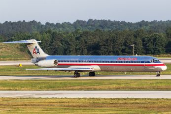 N561AA - American Airlines McDonnell Douglas MD-83