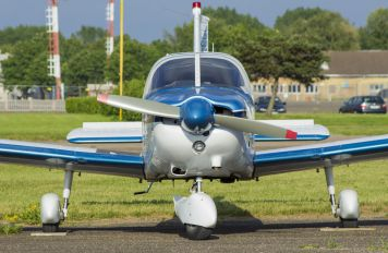 SE-EYC - Private Piper PA-28 Cherokee