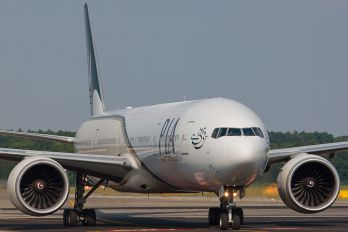 AP-BHW - PIA - Pakistan International Airlines Boeing 777-300ER