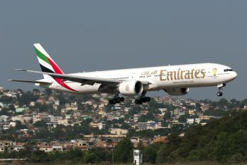 A6-ECS - Emirates Airlines Boeing 777-300ER