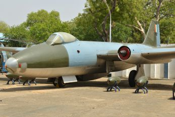 IF907 - India - Air Force English Electric Canberra B.2