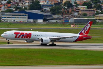 PT-MUH - TAM Boeing 777-300ER