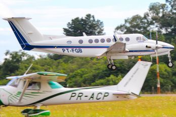 PT-FGB - Private Beechcraft 300 King Air 350