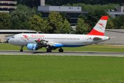 Austrian Airlines/Arrows/Tyrolean OE-LBS image