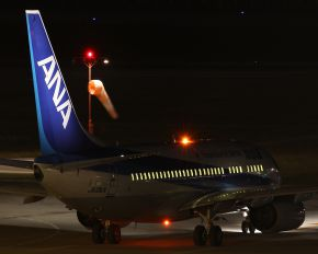 JA18AN - ANA - All Nippon Airways Boeing 737-700