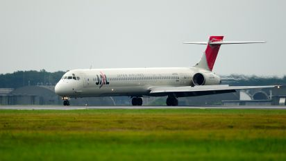 JA005D - JAL - Japan Airlines McDonnell Douglas MD-90