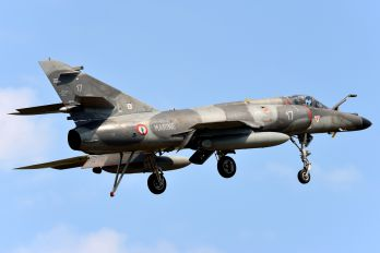 17 - France - Air Force Dassault Super Etendard