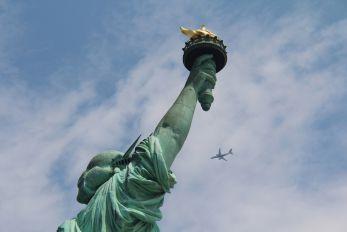 - - Delta Air Lines Embraer ERJ-175 (170-200)