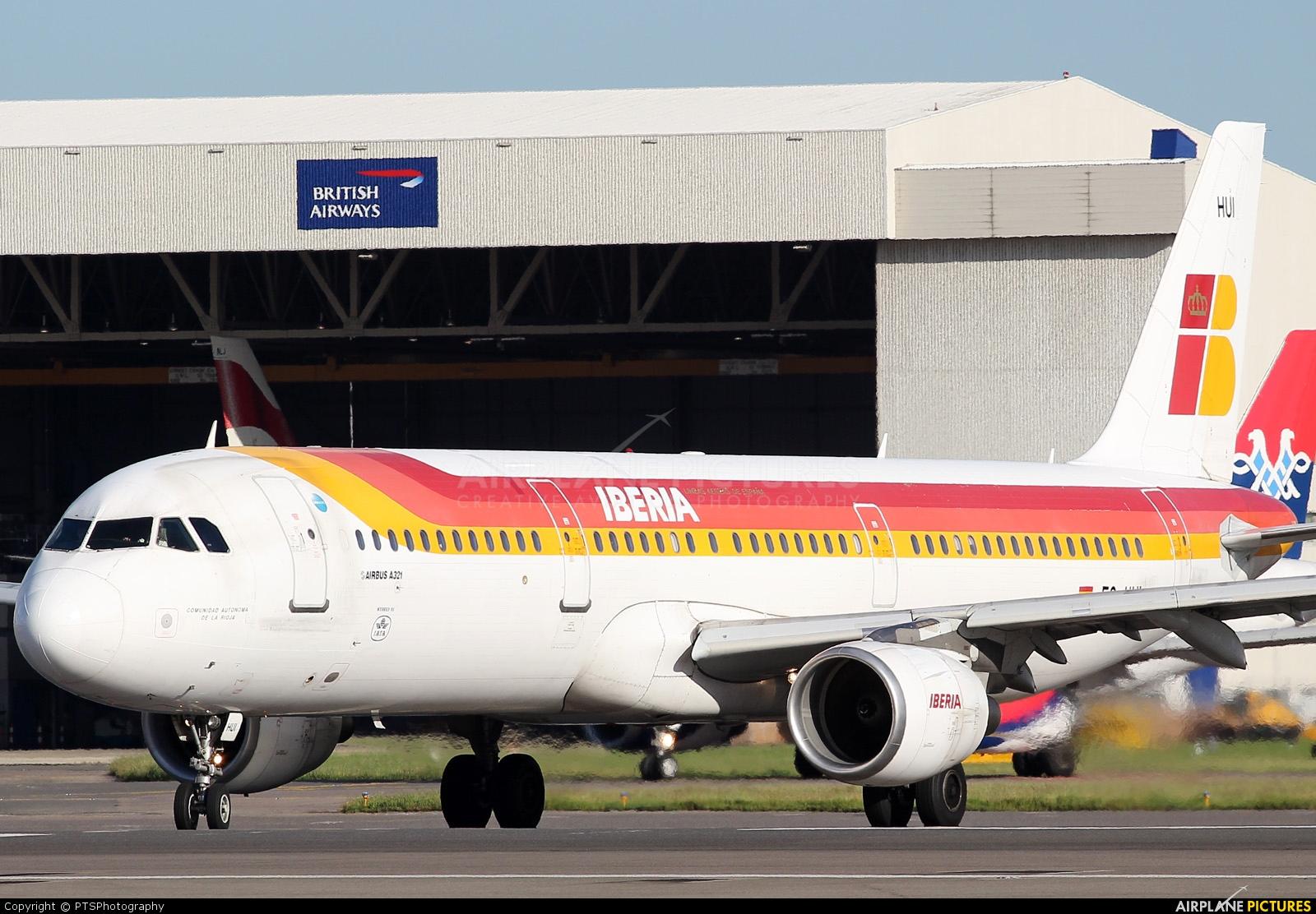 Iberia EC-HUI aircraft at London - Heathrow