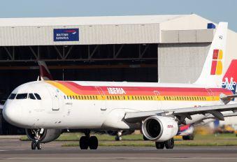 EC-HUI - Iberia Airbus A321