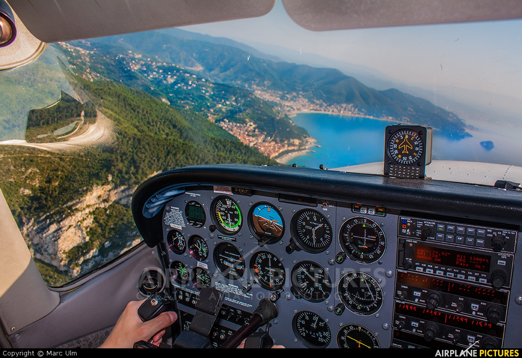 Private D-EMUT aircraft at In Flight - Italy