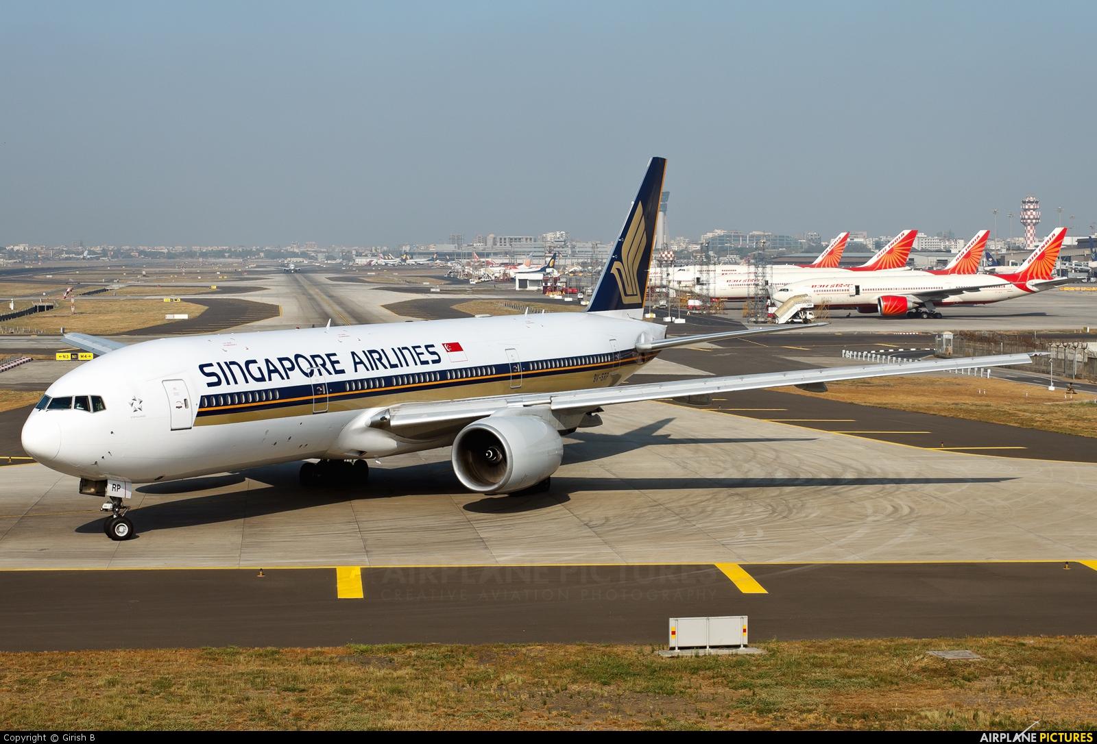 Singapore Airlines 9V-SRP aircraft at Mumbai - Chhatrapati Shivaji Intl
