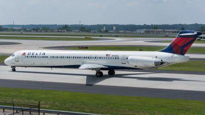 N918DL - Delta Air Lines McDonnell Douglas MD-88