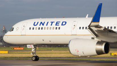 N21108 - United Airlines Boeing 757-200