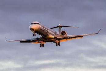 C-FUJA - Air Canada Express Canadair CL-600 CRJ-700