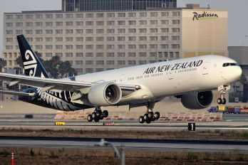 ZK-OKR - Air New Zealand Boeing 777-300ER