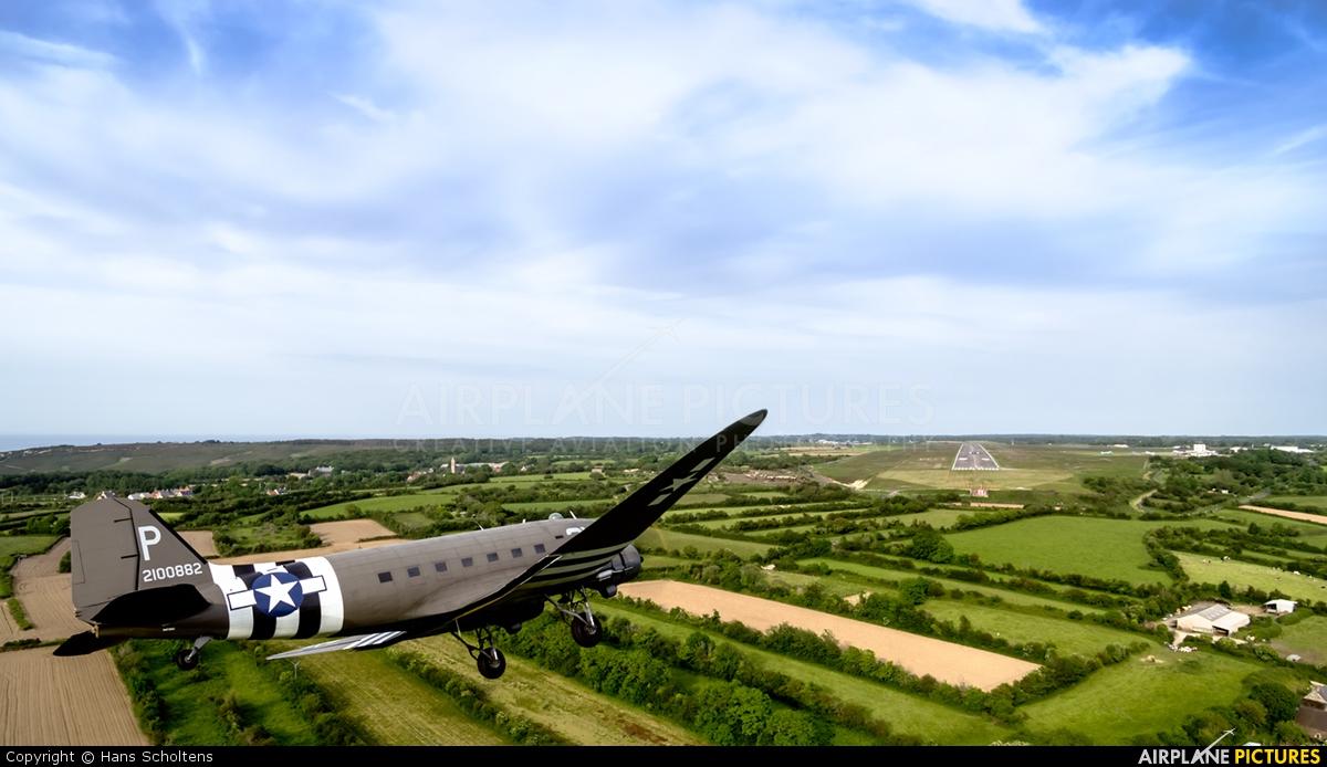Dakota Heritage N473DC aircraft at Cherbourg-Maupertus