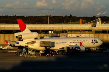 JA8582 - JAL - Japan Airlines McDonnell Douglas MD-11