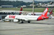 PT-MXD - TAM Airbus A321 aircraft