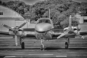 - - Private Beechcraft 58 Baron