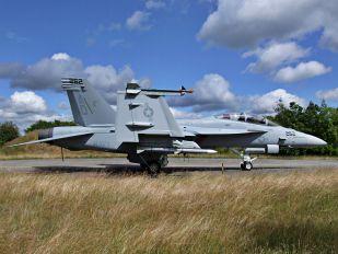168889 - USA - Navy Boeing F/A-18F Super Hornet