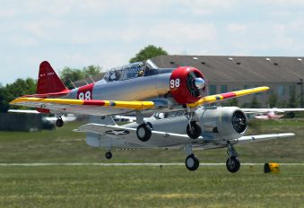 N26808 - Private North American Harvard/Texan (AT-6, 16, SNJ series)