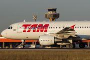 PR-MYX - TAM Airbus A320 aircraft