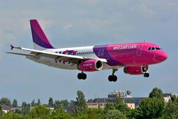 UR-WUB - Wizz Air Airbus A320